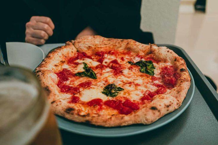 Raffaele Esposito e la Regina Margherita la storia della pizza napoletana